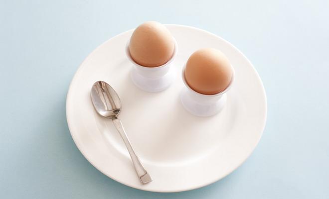 Два варенных яйца